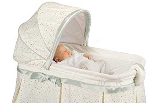 Kolcraft Cuddle N Care Rocking Bassinet
